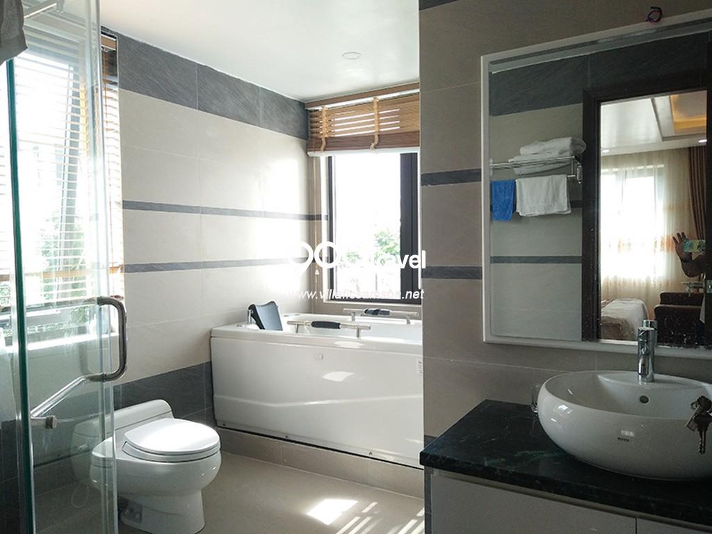 phòng tắm villa san hô flc